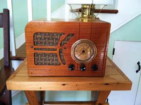 1938 Silvertone radio in Lockhouse 10