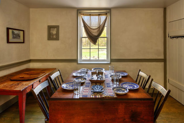 Dining room of Lockhouse 25